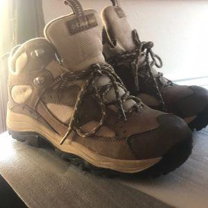 Columbia beige tan hiking sneakers